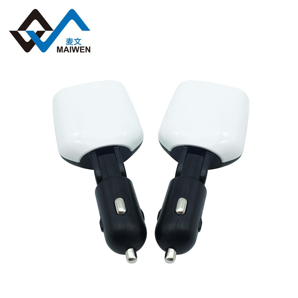 3.4A Car Charger with LED Light 4