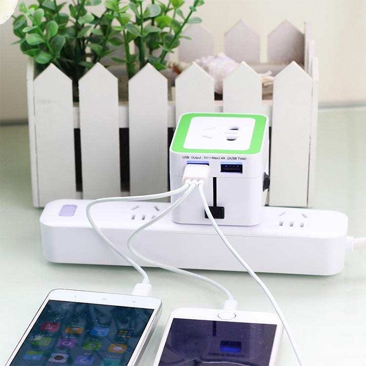 The British Hong Kong converter plug converter Double USB charger 3