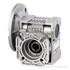 Tpg hollow shaft worm gear reducer taiwan manufacturer for Hollow shaft gear motor