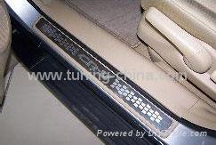 Honda Accessories:2007 CRV door sills plate 1
