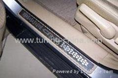 Honda Accessories:2007 CRV door sills plate
