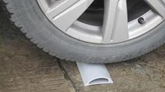塑料制定加工弧形PVC地板線槽 ---優之佳美塑膠制品有限公司