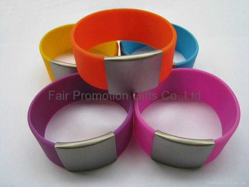 Multicolor Stainless Steel Silicone Bracelet 4