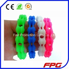 Motorcycle Chain Link Wristband Silicone Bracelet with Factory price