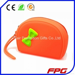 Fashion silicone zipper bag with butterfly