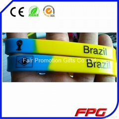Christmas Silkscreen Wristbands Silicone Bracelet (Hot Product - 1*)