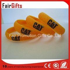 Tyre Shaped Silicone Bracelet