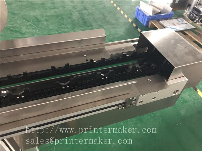 Automatic Labeling machine for toothbrush plastic packing box 9