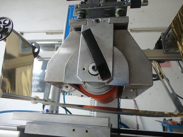 Flat and Cylindrical Hot Stamping Machine 16