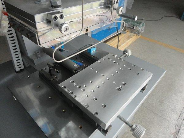 Flat Hot Stamping Machine with Shuttle Table 4