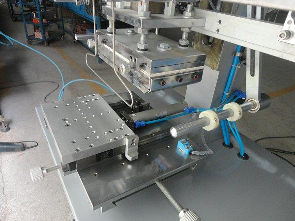 Flat Hot Stamping Machine with Shuttle Table 5