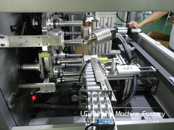 Automatic Hot Stamping Machine for Cap Top and Sidewall 6