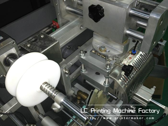Automatic Hot Stamping Machines On Caps Side Wall 8
