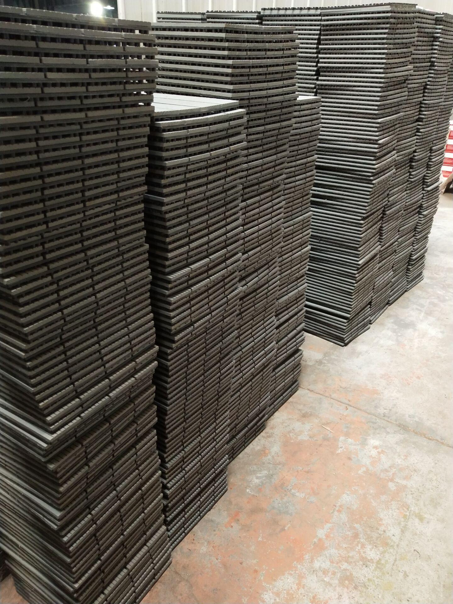 WPC Decking Fake/Artificial Grass Tile 4