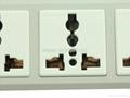 防雷型五位万用插座带一个总控开关转换器(排插)