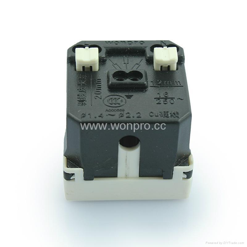 China Standard 3-pole Aircon. Socket 16A(R16A-W) 2