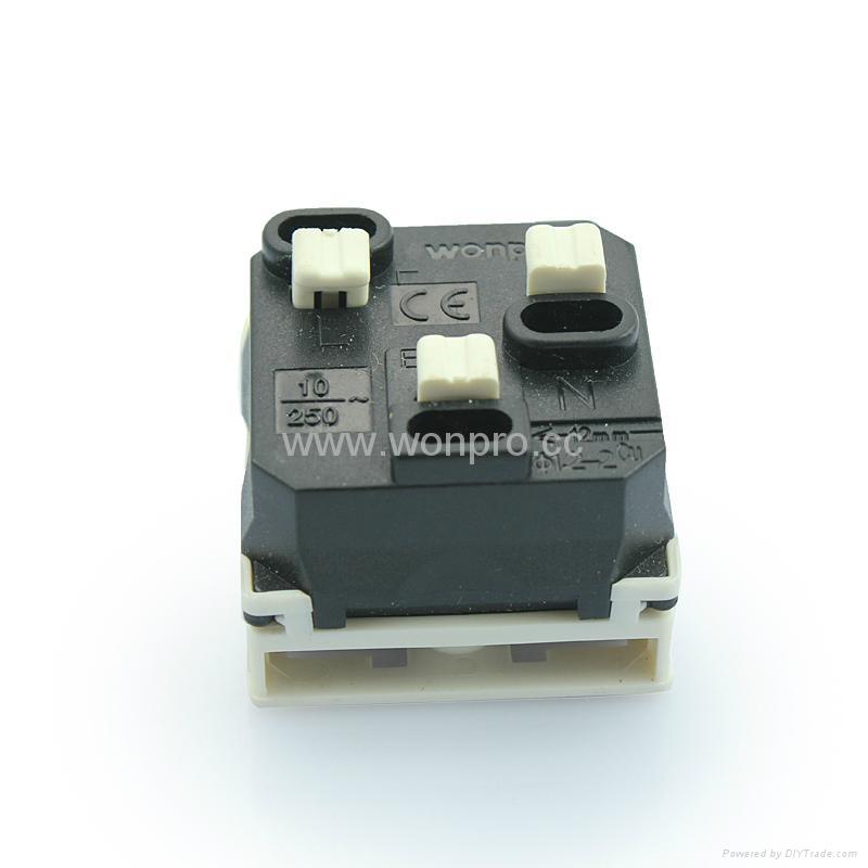 US standard 2-pole socket-outlets10A250Vor 15A125V(R6A-W) 2