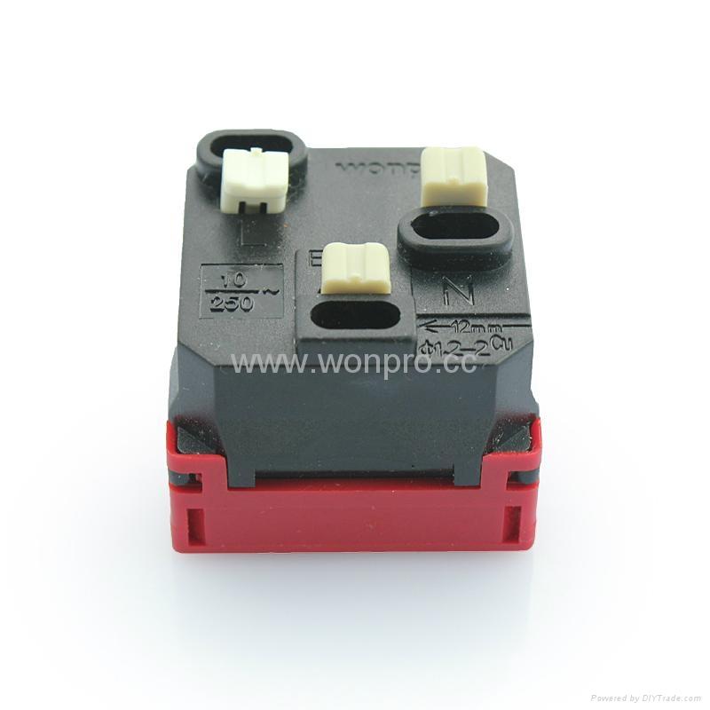 万用多用途插座模块红色2P+E(R4-R) 2
