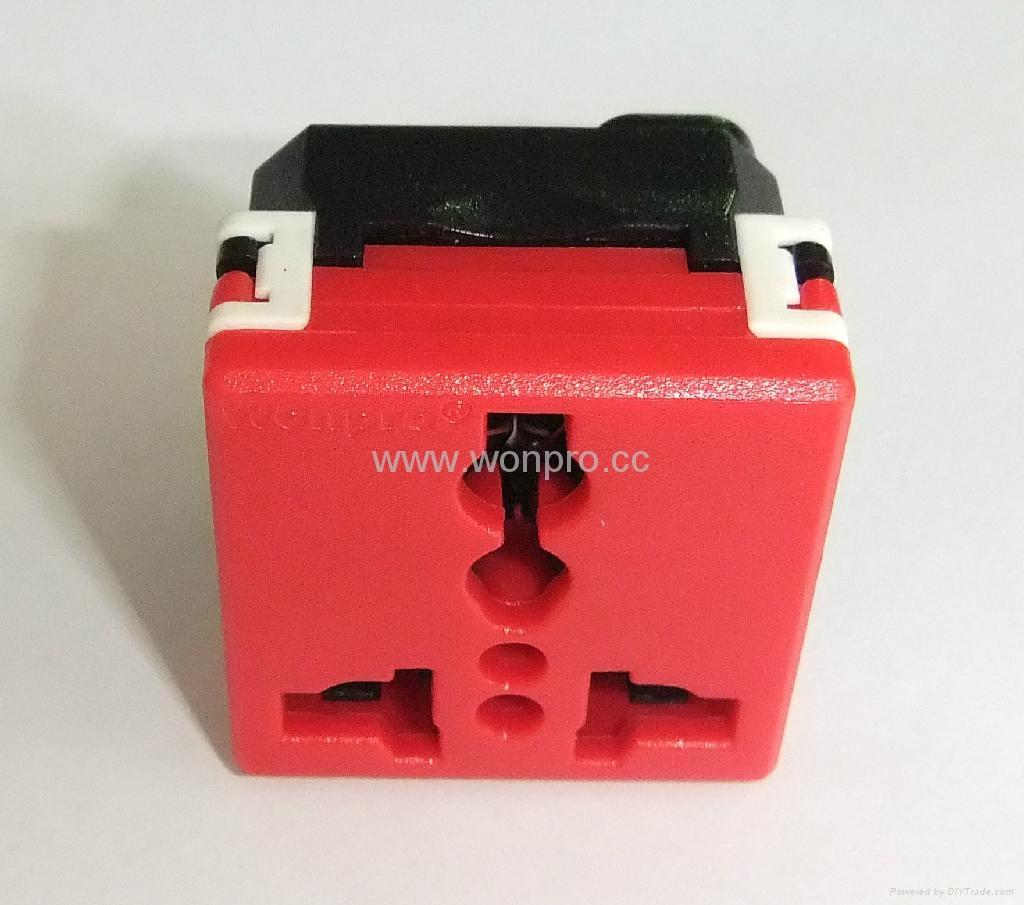 万用多用途插座模块红色2P+E(R4-R) 3