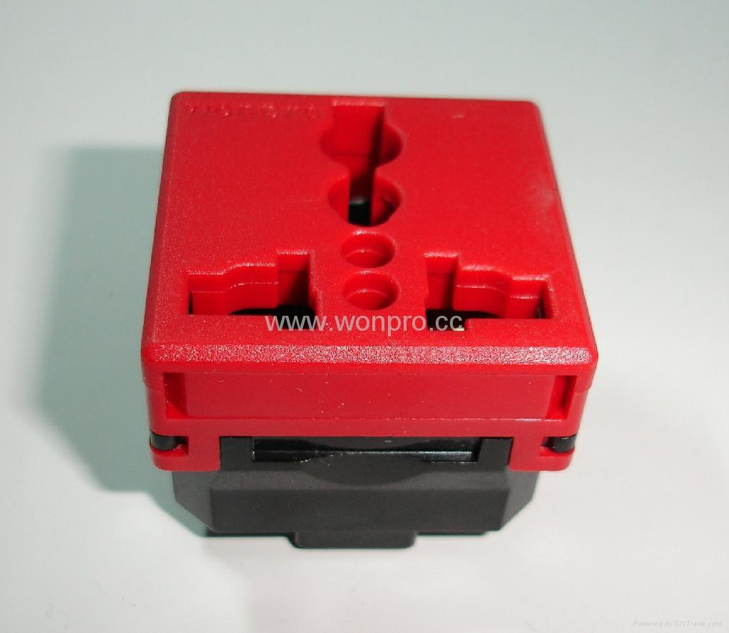 万用多用途插座模块红色2P+E(R4-R) 4