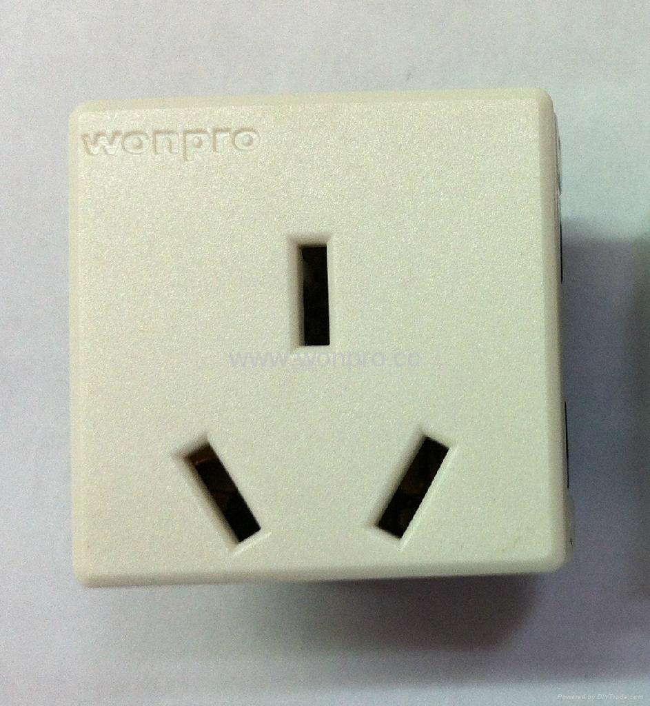 国标三极插座16/20A250V锁线式(R16T-W) 1