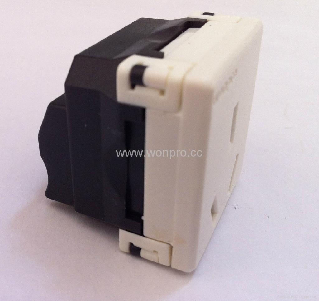 国标三极插座16/20A250V锁线式(R16T-W) 3