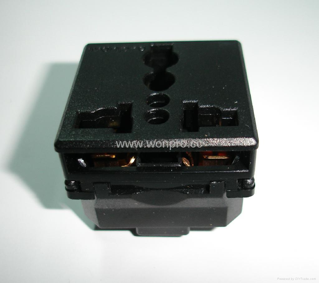 万用插座模块黑色( R4(S)-BK)