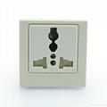 英卡入式工业用一位万用插座带保护门2P+E(BSF-R4S-W 10A白色门) 1