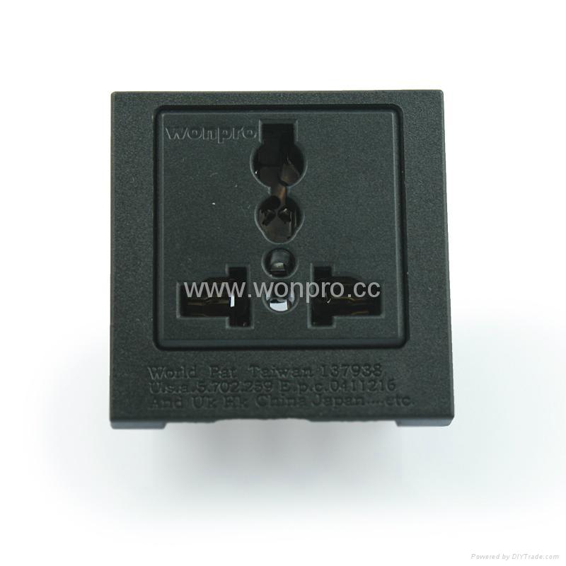 英卡入式工业用一位万用插座黑色(BSF-R4T-BK 16A)