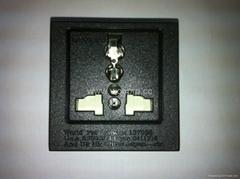 英卡入式工业用一位万用插座带保护门黑色2P+E(BSF-R4