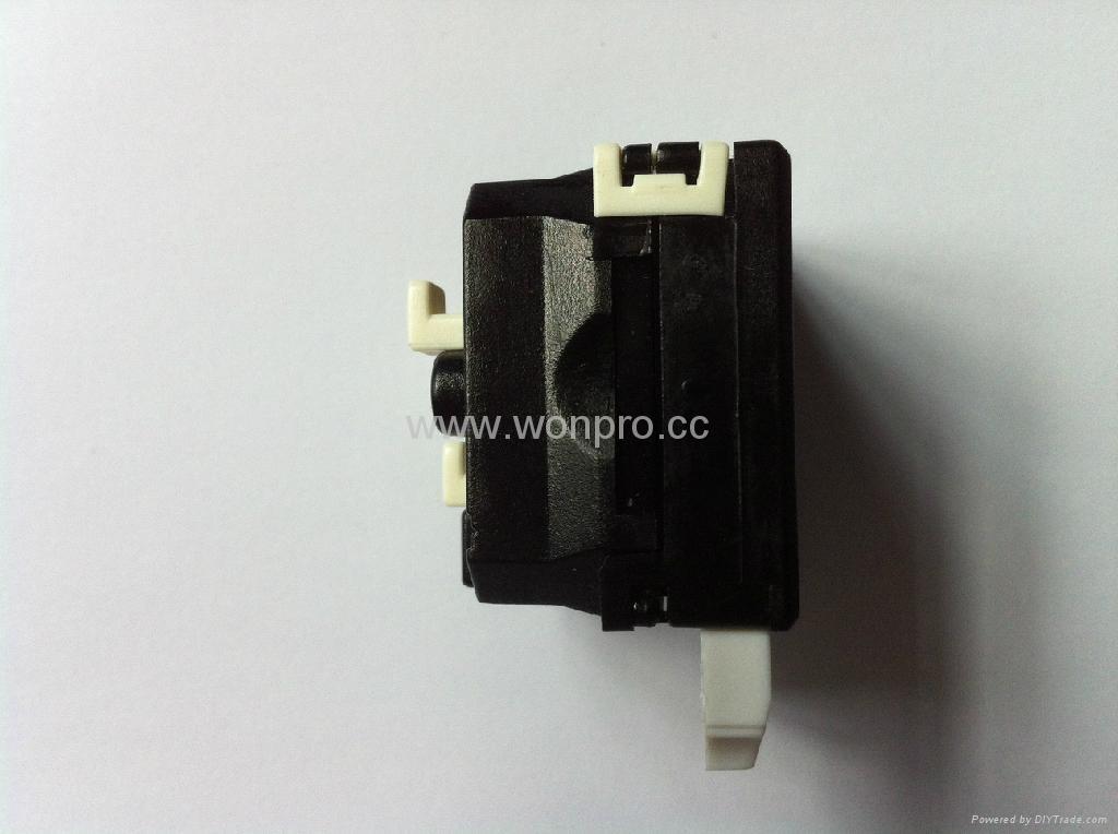 英卡入式工业用一位万用插座带保护门黑色2P+E(BSF-R4S-BK 10A 橘黄门) 4