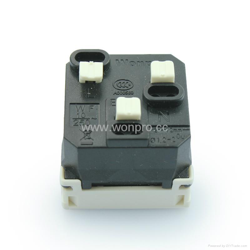 外露式工业用一位国标三极插座 (WF-7.R16-W) 4
