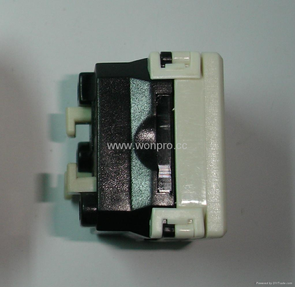 L shaped safety receptacle2P+E (R2-W) 4