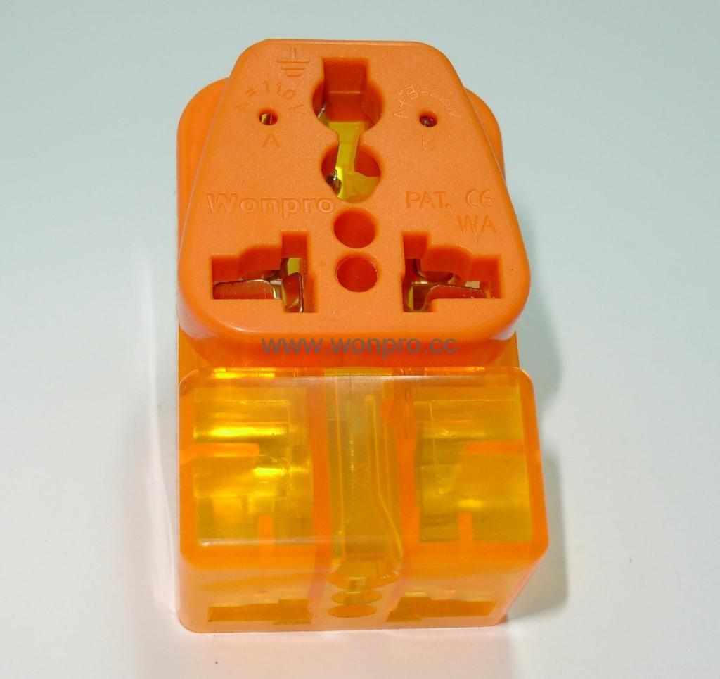 万用子母旅游转换器附有双电压指示与突波吸收器(WAIIvs系列) 1