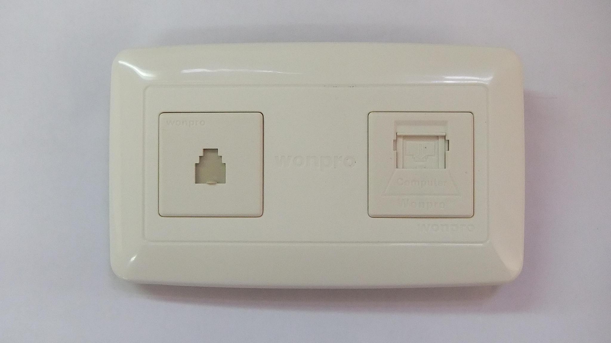 WFL系列高级万用插座 5