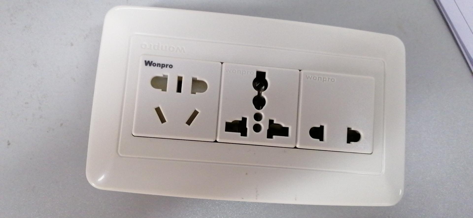 WFL系列高级万用插座 15