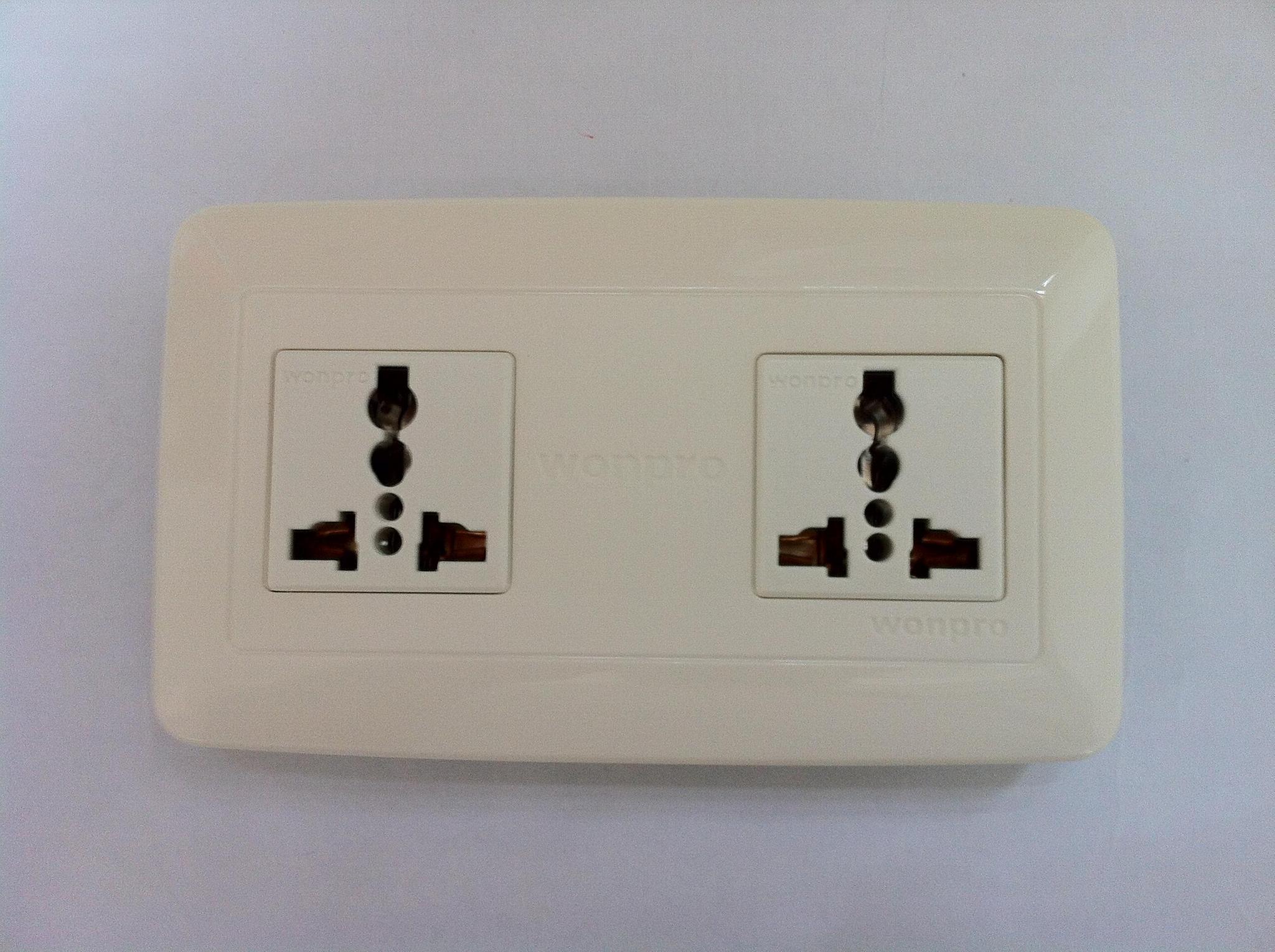 WFL系列高级万用插座 18