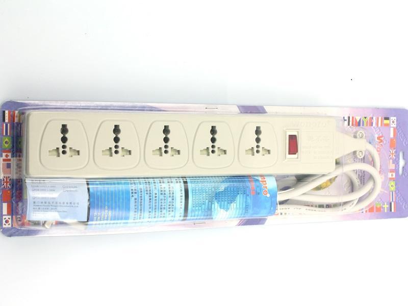 五位插座延长附真空罩彩卡包装