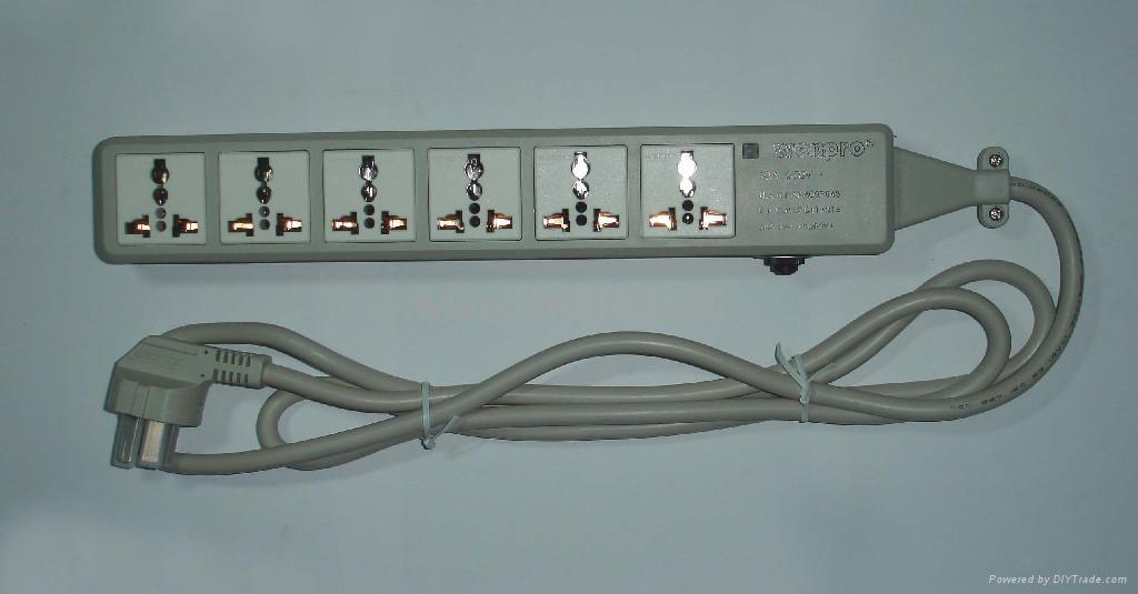 防雷型六位万用安全插座带一位CBS开关转换器(排插) 2