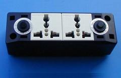 二位明裝萬用多用途插座附有無熔絲短路器(外露式)