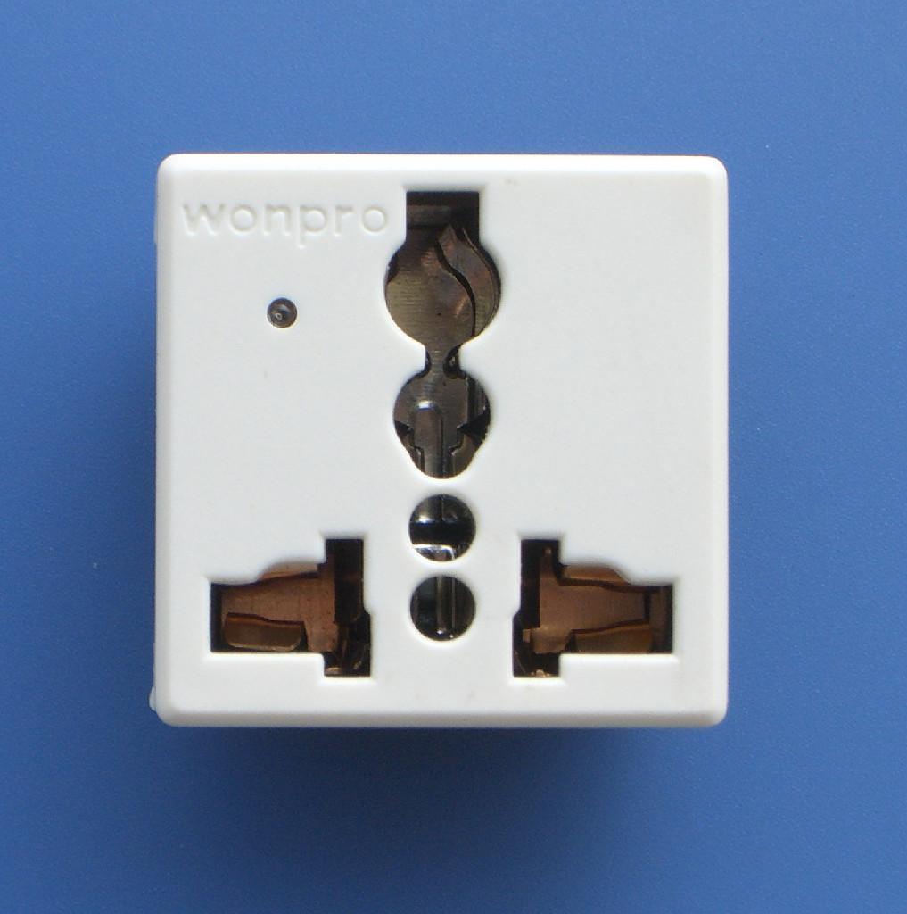 万用多用途插座模块 2