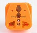 万用旅游转换器附有双电压指示与