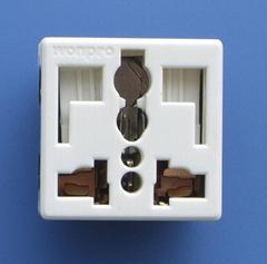 萬用多用途插座+獨特穩不落的L型安全插座(二極帶接地)