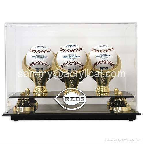 Mounted Memories Cincinnati Reds 3-Ball Acrylic Baseball Display Case