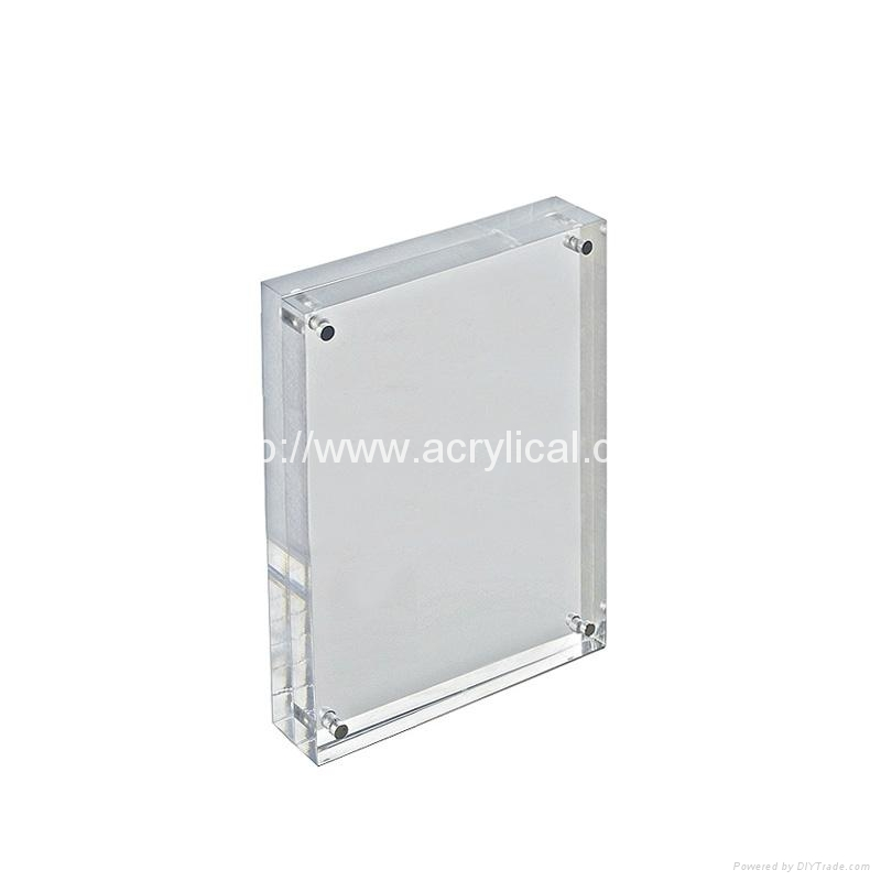 acrylic photo frame,The Heavy Magnetic Picture Frame preserves your photo between heavy sheets of clear acrylic that are held together by magnetic corners. Can be used vertically or horizontally and available in three sizes:2-1/2 X 3-1/2 X 3/4, 3 1/2'', 3 1/2'' x 5'', 4'' x 6'', 5'' x 7''.