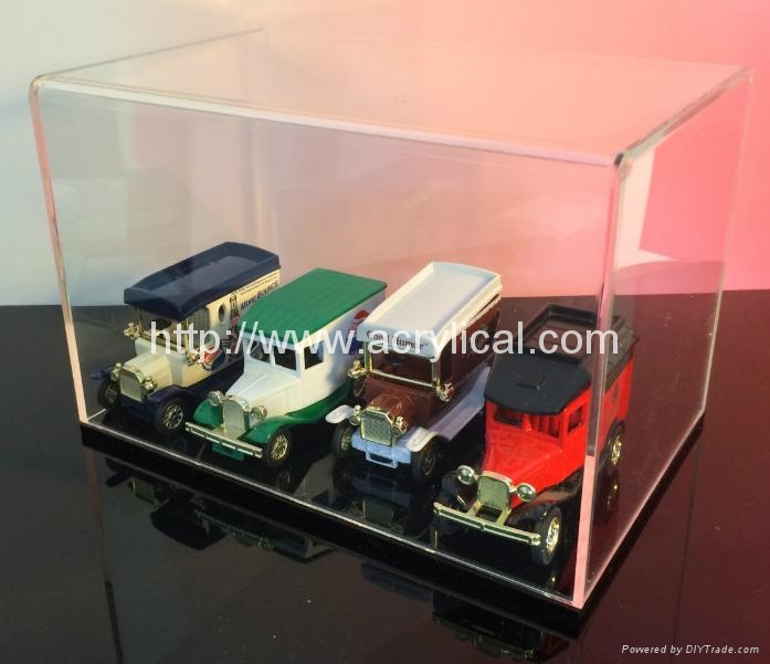 Display Cases for Models, Memorabilia, Antiques and Collectibles