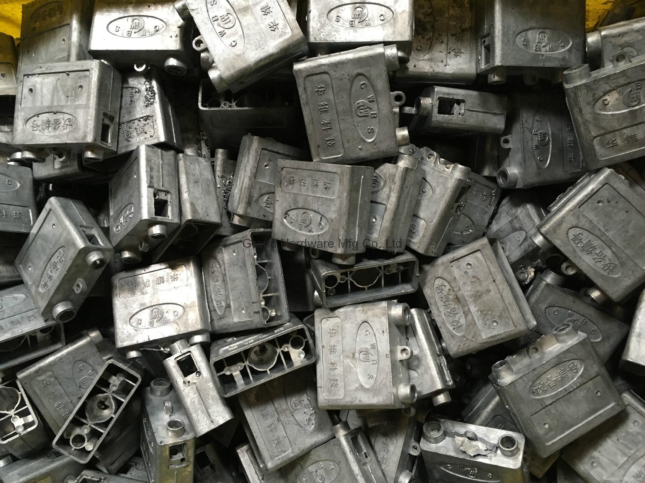 Zinc die casting lock body