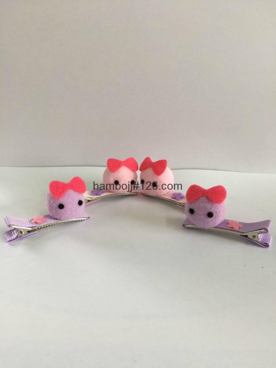 Hair accessories manufacturers -  Pom Pom Hair Clip