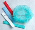 Disposable nonwoven clip cap