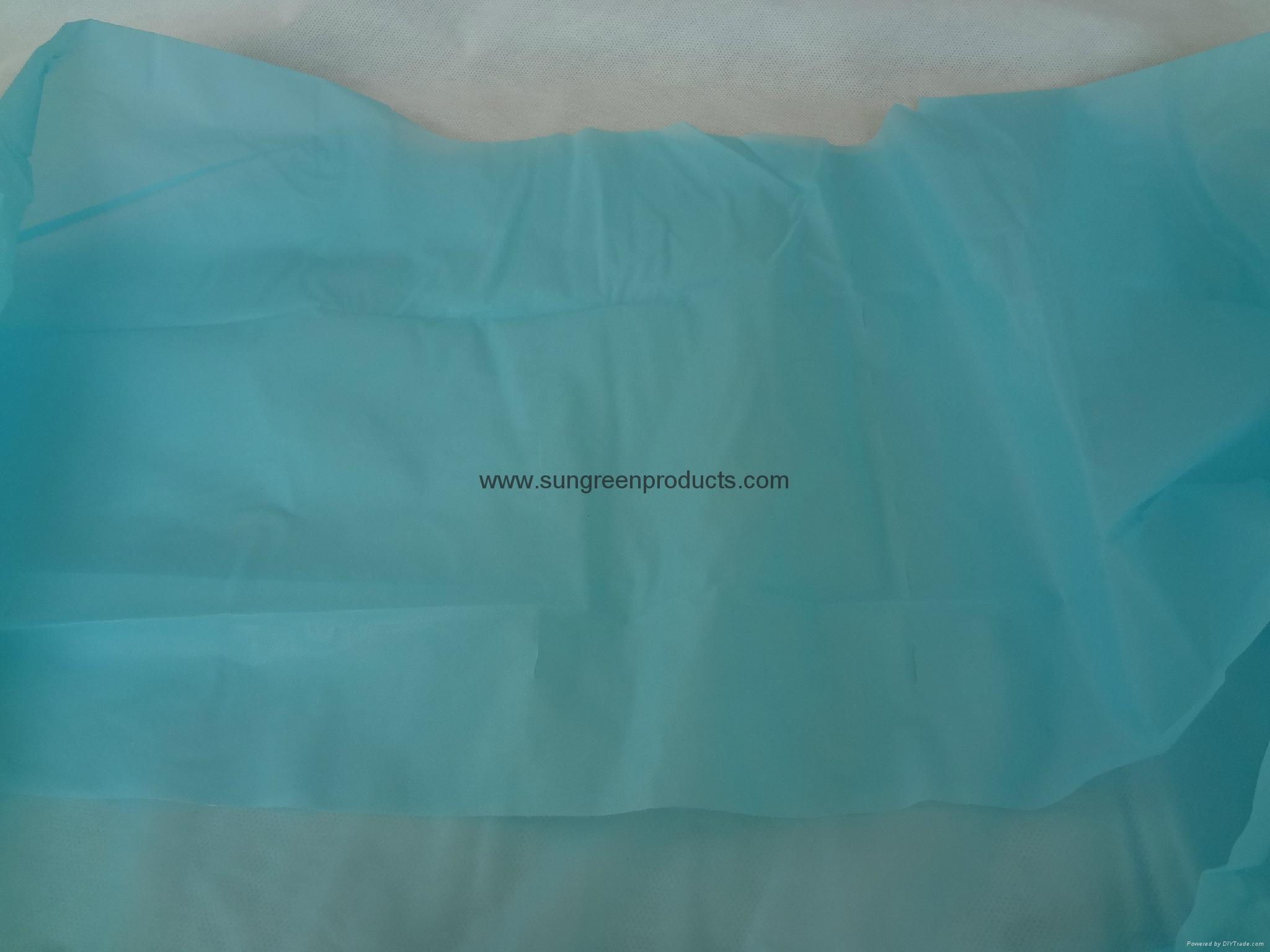 Disposable CPE gown 2
